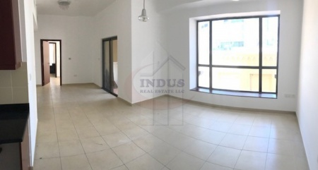 1BR Apt w/ Easy Access to the Jumeirah Beach