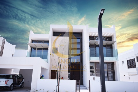 BEST DEAL| 4BR Villa| Style Contemporary