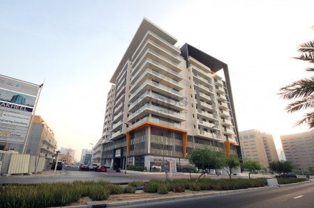 Community View! Large 1BR+M with Balcony