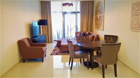 Fully Furnished Apt with 01 Covered Parking