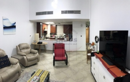 2BR + 2 parkings and 2 Storage at Sherlock House