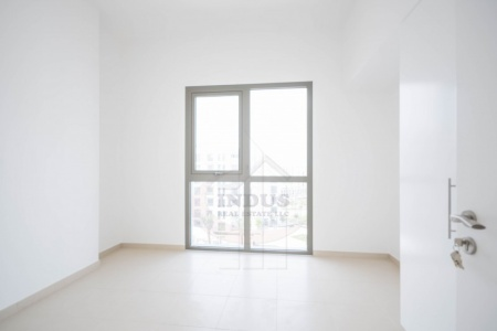 Good Price 1BR Apt Zahra 2B, Town Square