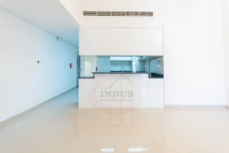 Huge 2BR+M with Terrace in Al Sima Tower