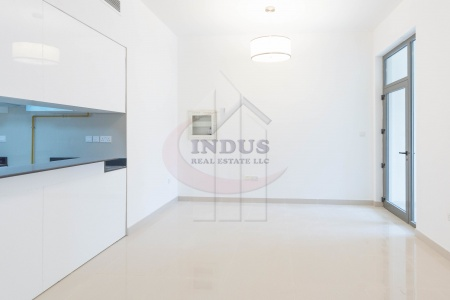 Large 1BR+M with Terrace | Multiple options