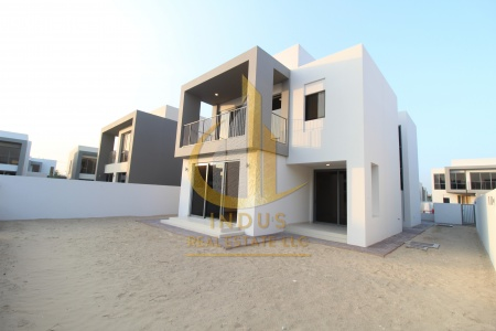 #StaySafe | Ready Villa | Close To Pool and Park