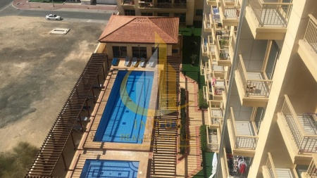 #StaySafe|Well Maintained|Pool View|The Manhattan